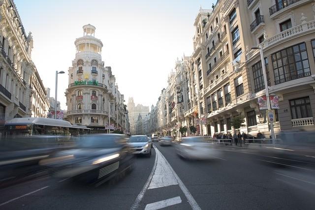 Gran Vía de Madrid con edificio Rolex