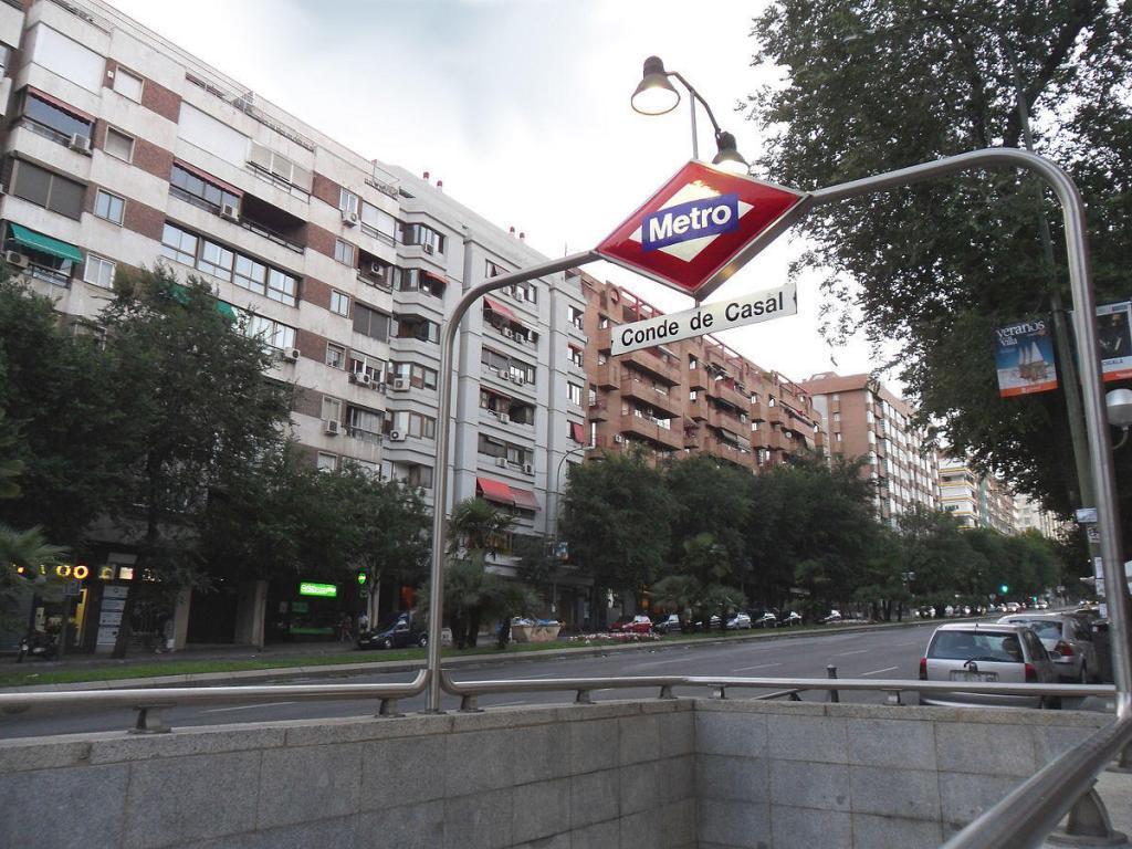 Parada de metro de Conde de Casal