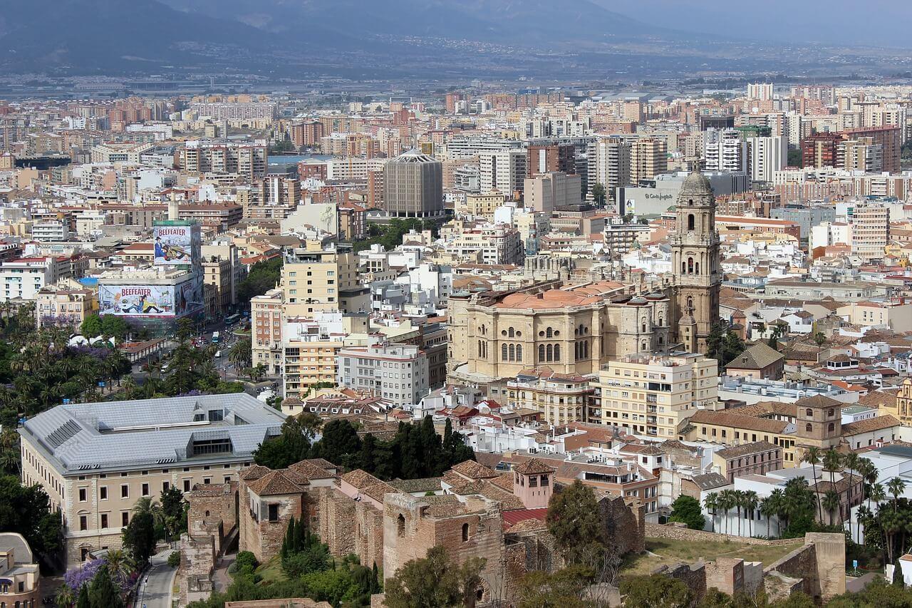 Comprar piso para alquilarlo en Málaga