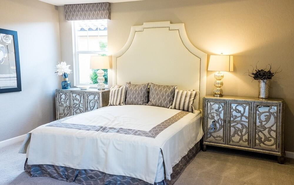 fotografía de dormitorio bien iluminado