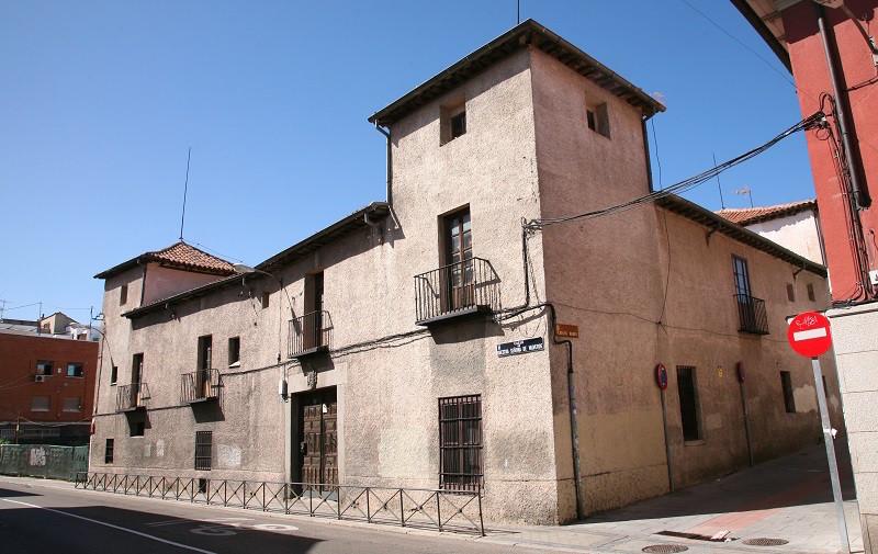 Fachada de Casa Grande en Fuencarral