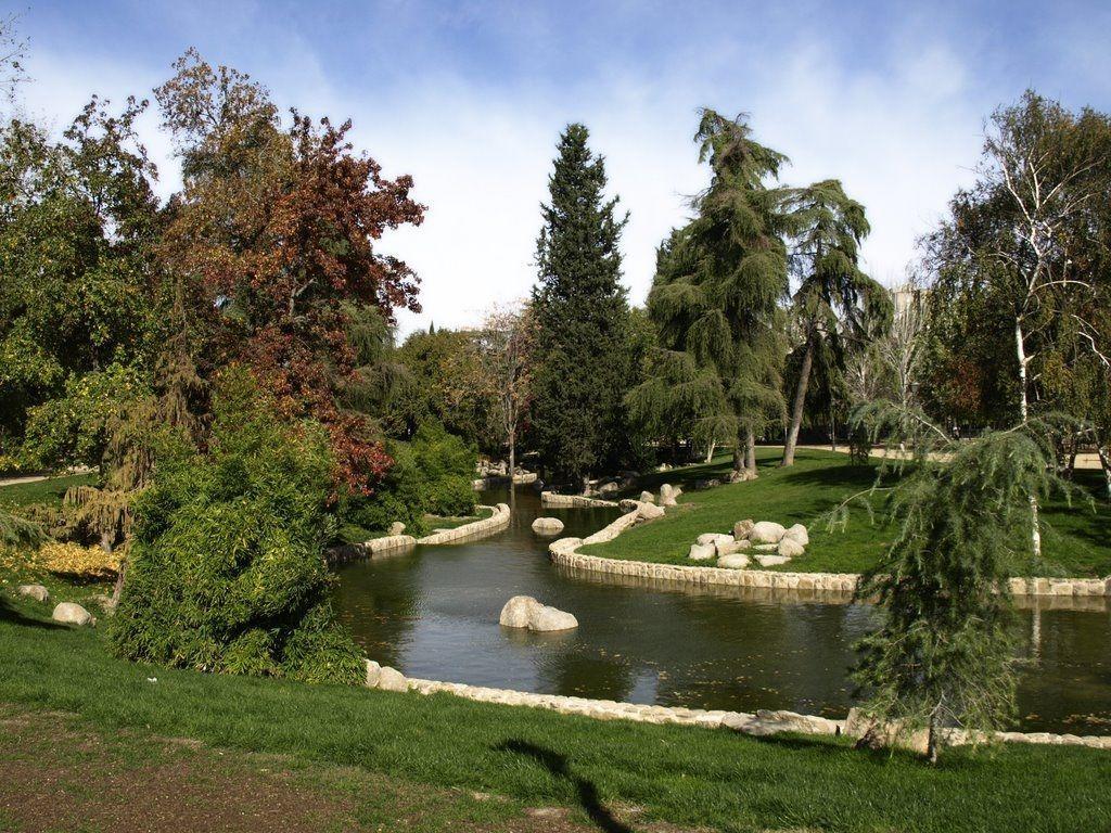 Jardines del Parque de Aluche en el distrito madrileño de Latina
